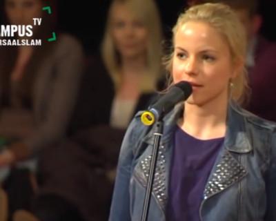 Julia slamt den vogelfree Slogan @ Campus TV