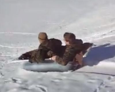 Snowsurfin – häng dich an die Kiste!