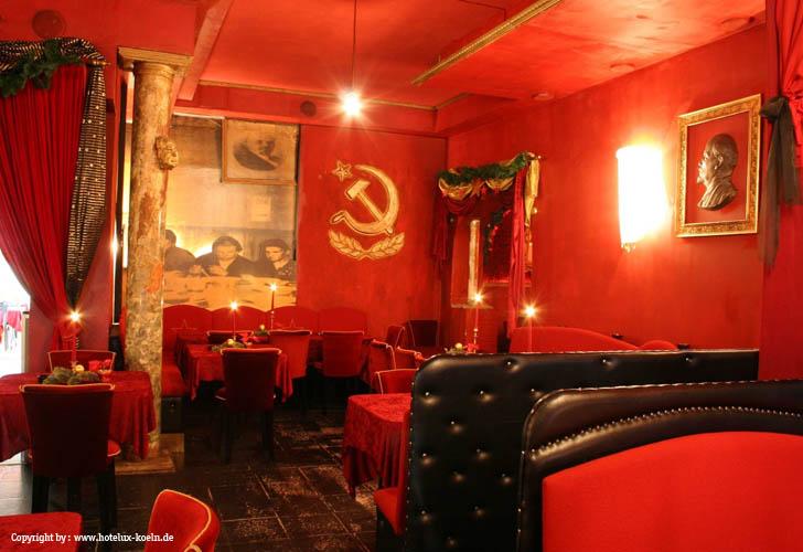 Köln > HoteLux (Sowjetisches Restaurant)